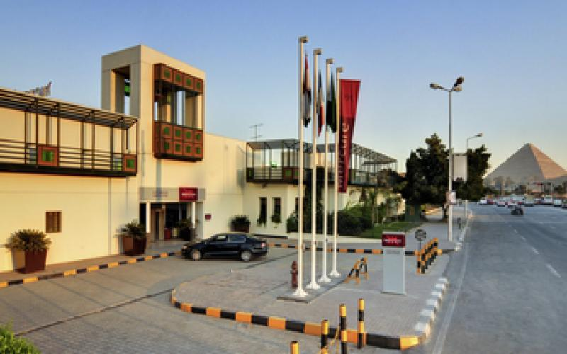 Mercure Cairo Le Sphinx Hotel -Entrance -